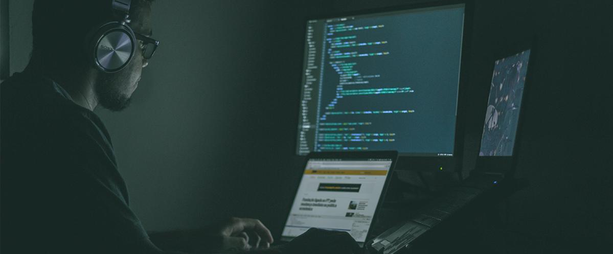 hacker piratant un compte